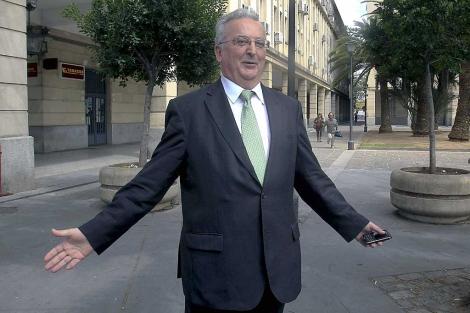 Antonio Fernández hace un gesto antes de su declaración ante la juez instructora. | Efe