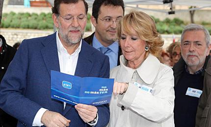 Rajoy y Aguirre, en la campaña 'No más IVA'. | PP Madrid