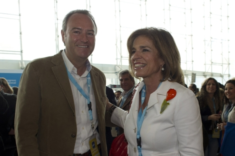 Fabra, junto a la alcaldesa de Madrid, Ana Botella. | Gonzalo Arroyo