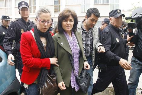 Ruth Ortiz sale de los juzgados de Córdoba tras declarar por primera vez. | M. Cubero