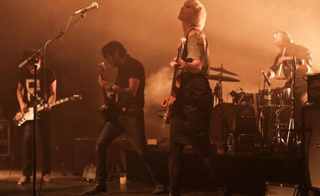 The Raveonettes, en plena actuación. | Thorsten Iversen / SPOT Festival