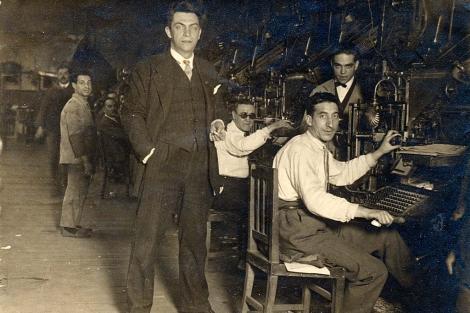 Manuel Chaves Nogale, en los talleres de 'El Heraldo de Madrid'.