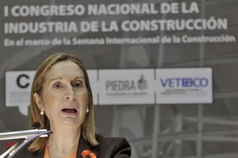 Ana Pastor en la inaguruación de la I Semana de la Construcción. | Efe