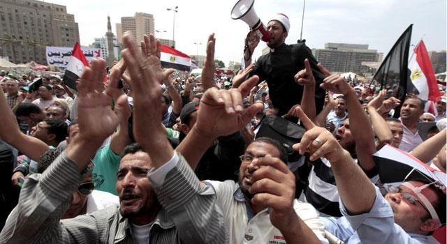 Una de las protestas en la emblemática plaza cariota de Tahrir. | Reuters
