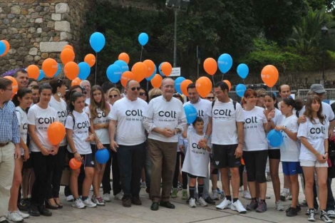 El alcalde de Málaga en el inicio de la Caminata Solidaria. | ELMUNDO.es