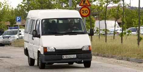 La furgoneta en la que ha salido 'Ramoncín' de la cárcel. | Efe