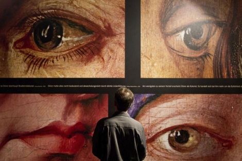 Imagen de uno de los paneles de la exposición. | Efe.