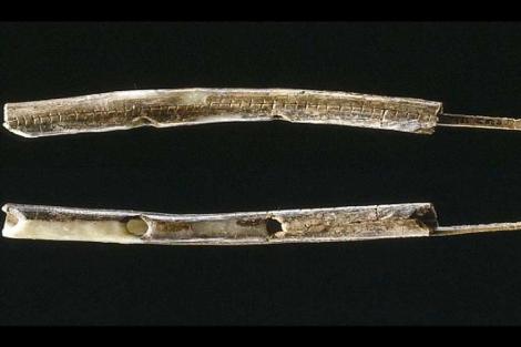 Flauta realizada con marfil de mamut hace 43.000 años. |'Journal of Human Evolution'