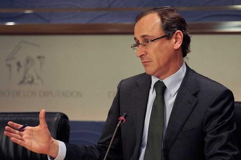 Alfonso Alonso, durante la rueda de prensa de este martes. | Tarek/PP