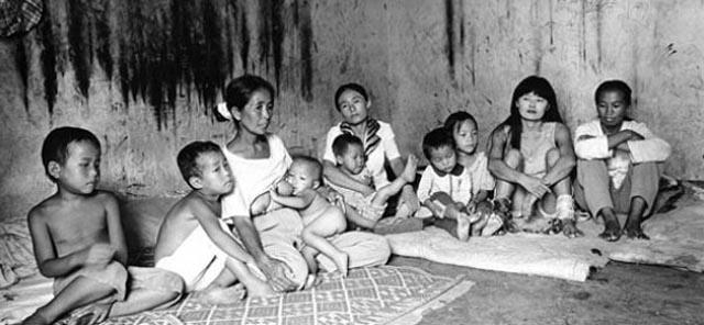 Myanmar, 2006 © Lu Nan 'Ansiedad de la imagen'