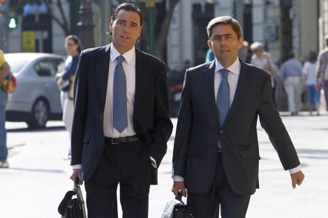 Vicente Rambla llega junto a su abogado al TSJ de Valencia. | José Cuéllar