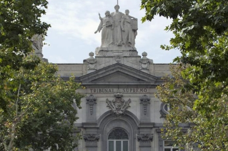 Fachada del edificio del Tribunal Supremo en Madrid.   Gonzalo Arroyo