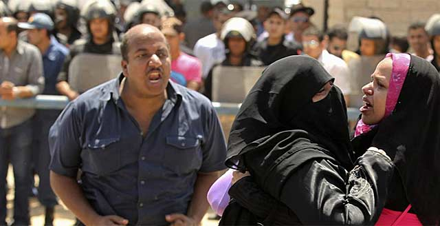 Protestas de los manifestantes tras conocer la setencia. | Reuters