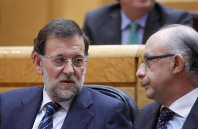 El presidente del Gobierno junto con el ministro de Hacienda. | José Ayma