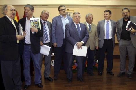 Los miembros del jurado del XXII Premio Internacional de Poesía.   Juan Martín Misis