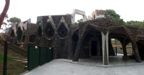 Cripta de la colonia Güell, obra de Gaudí. | Rudy