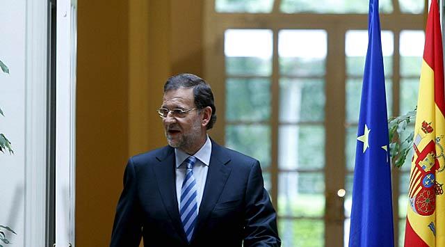 Mariano Rajoy, a su llegada hoy a la rueda de prensa en el Palacio de La Moncloa.   Efe