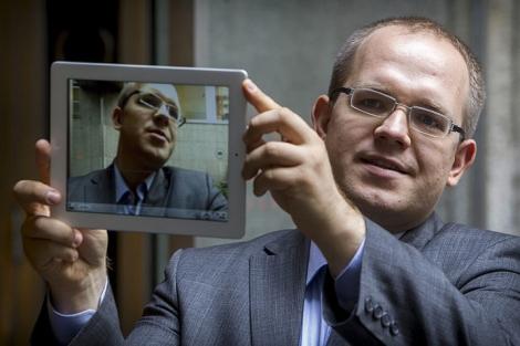 El escritor Evgeny Morozov presenta su libro 'El desengaño de internet'