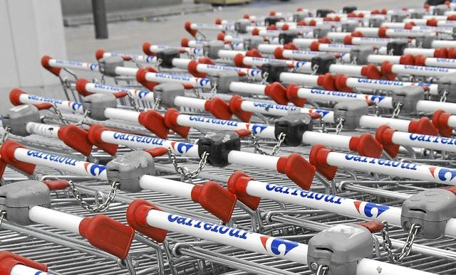 Carros de Carrefour. | J.M. Cárdenas