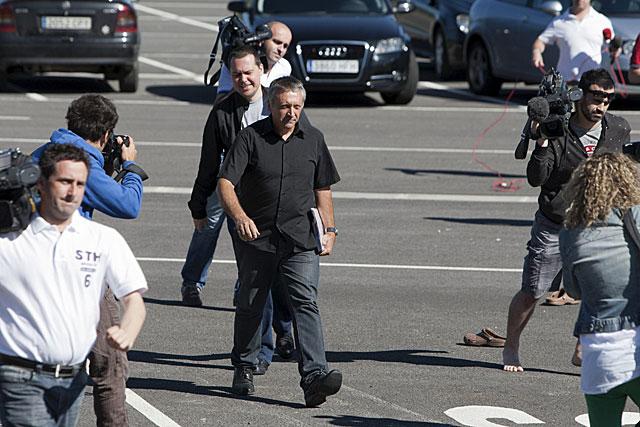 Roberto Manrrique en su llegada a la prisión alavesa de Zaballa. | Efe