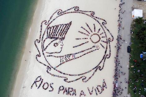 Mensaje formado por 1.500 indígenas en Río +20. | Reuters