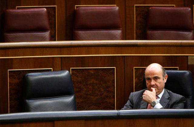 Guindos, la semana pasada en su escaño del Congreso. | Efe