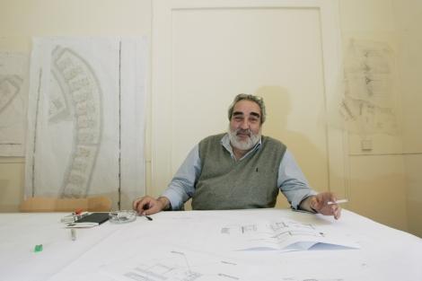 Eduardo Souto de Moura, en su estudio. | Efe