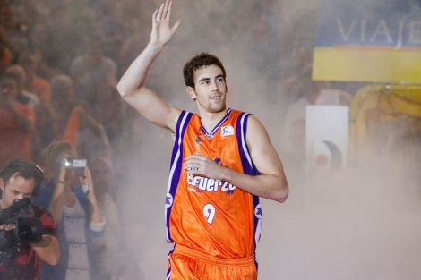 Víctor Claver, durante la presentación de la pasada temporada. | Benito Pajares