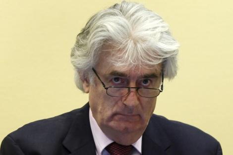 Radovan Karadzic durante una vista en el Tribunal de la Haya (2009).   ELMUNDO.