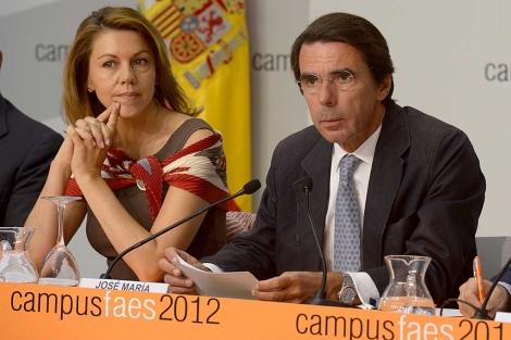 María Dolores de Cospedal y José María Aznar, en la inaguración del Campus Faes. | Faes