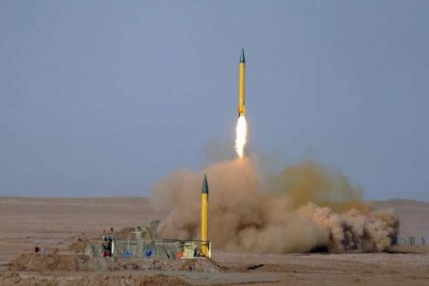 Los misiles lanzados en el desierto iraní. | Efe
