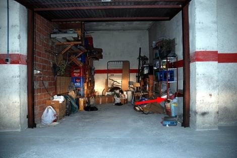 El garaje de Milladoiro, propiedad del detenido Manuel Fernández, donde estaba el Códice. | Policía