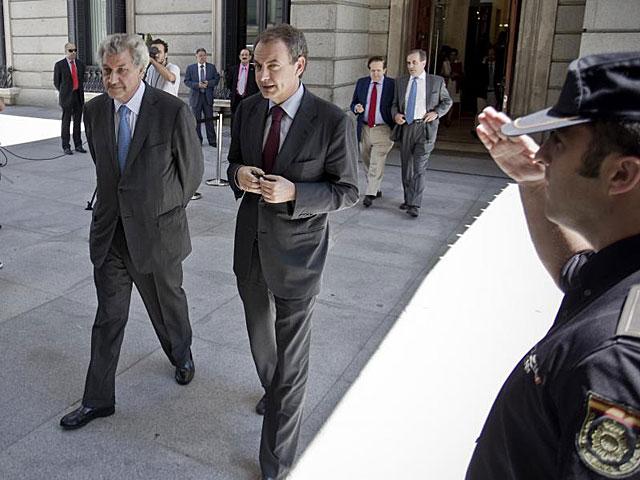 Zapatero, con Jesús Posada, a su llegada al Congreso de los Diputados. | Alberto Di Lolli