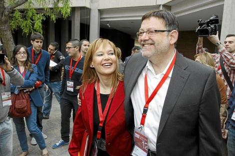 Leire Pajín, junto al secretario general del PSPV, Ximo Puig. | Roberto Pérez