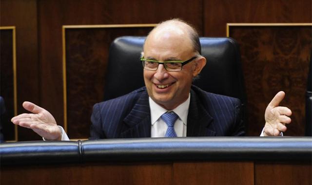 El ministro de Hacienda y Administraciones Públicas, en el Congreso. | Bernardo Díaz