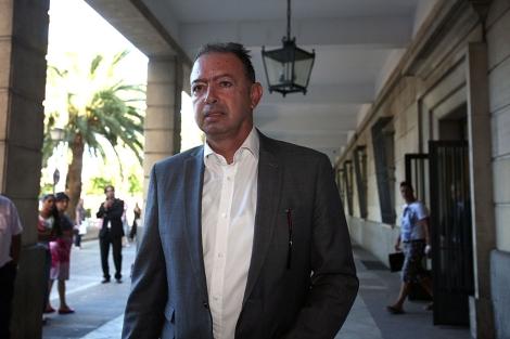 Daniel Rivera a su llegada a los juzgados. | J. Morón