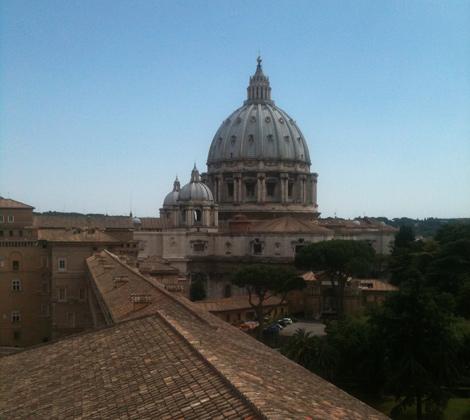 La basílica de San Pedro, desde la terraza de la Torre de los Vientos. | Foto: I.H.V.