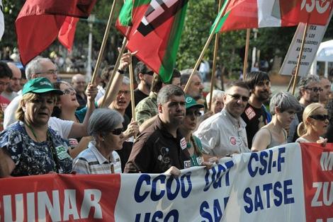 Unai Sordo y Dámaso Casado, al frente de la manifestación de Bilbao.   Patxi Corral