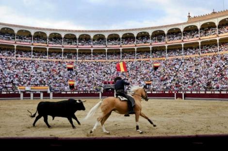 Imagen de la plaza de toros de Las ventas con todo su aforo completo | E. M