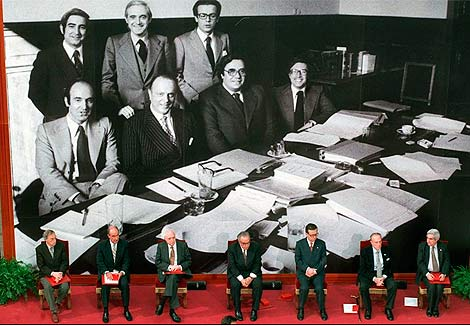 Los siete 'padres' de la Constitución.