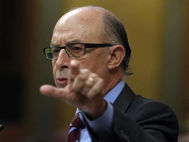 Cristóbal Montoro, durante su intervención en el Pleno del Congreso. | Javier Barbancho