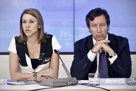 Dolores de Cospedal y Carlos Floriano, en la reunión de este miércoles del PP. | A. di Lolli