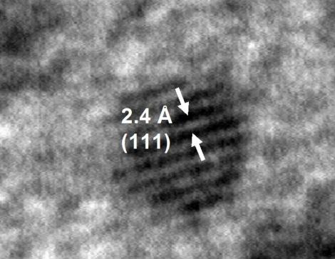 Nanopartícula compuesta por tan sólo 201 átomos de oro. | A. Hernando.