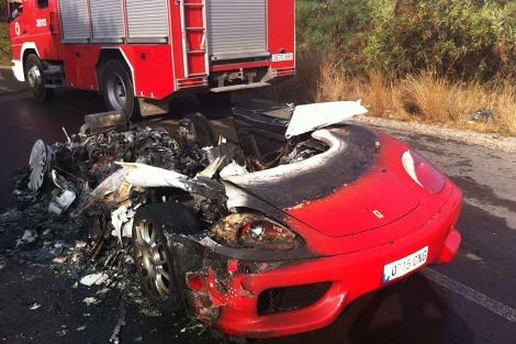 Estado en el que ha quedado el Ferrari de Ever Banega | Vicent Bosch