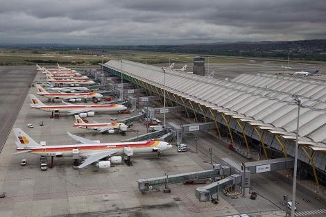 Aviones de Iberia en Madrid-Barajas. | A. Cuéllar