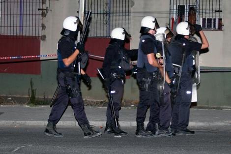 Policías en la operación de esta semana contra Al Qaeda en España. | F. Ledesma