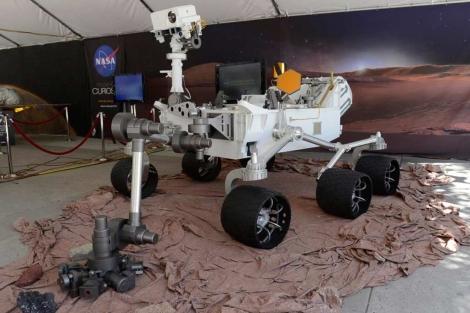 Exihibición de un modelo del explorador Curiosity en Pasadena   Efe