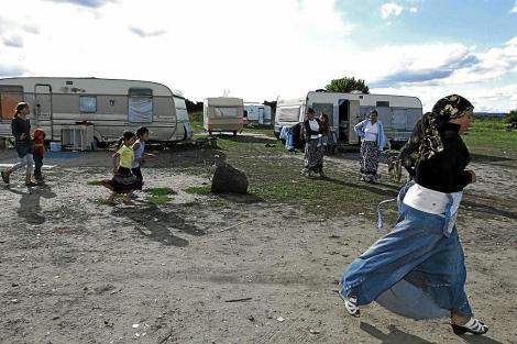 Una rumana en un campamento en Francia en 2010. | Afp