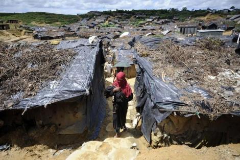 Campo de refugiados rohingya en Bangladesh.   EFE