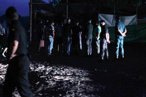La Guardia Civil inicia el desalojo de los jornaleros a las seis de la mañana. | Javier Barbancho